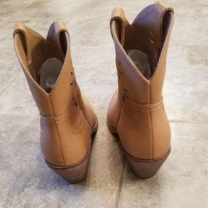 Lucky Brand Shoes - New LUCKY BRAND Leather Camel Tan Cowgirl Boots